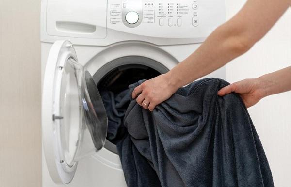 giặt chăn điện bằng máy
